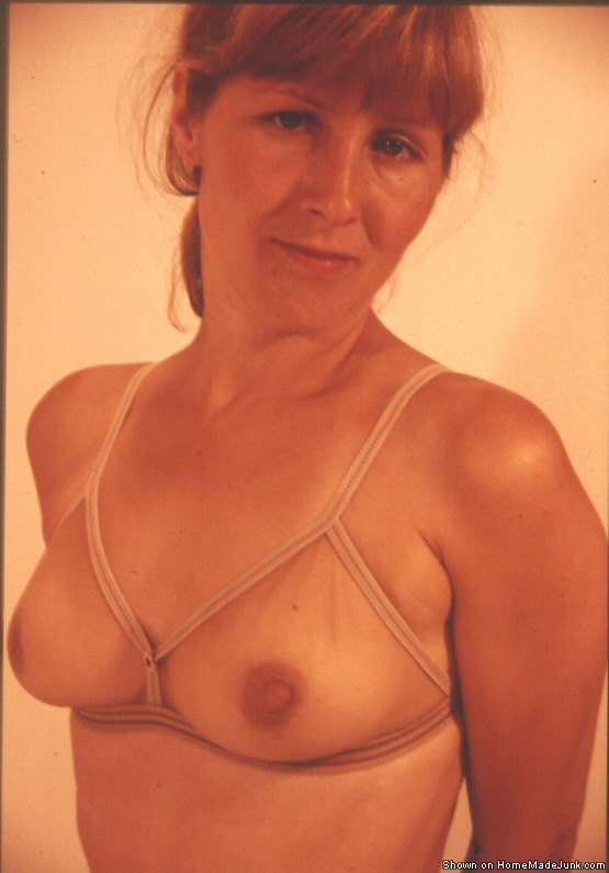 Amateur mature self nude