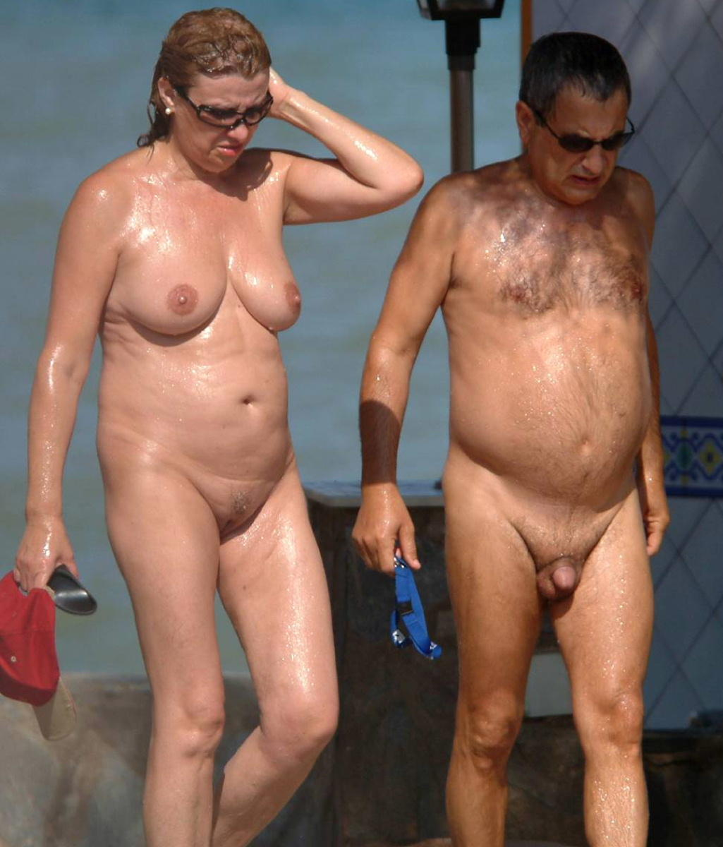 Good Naked older women group photo