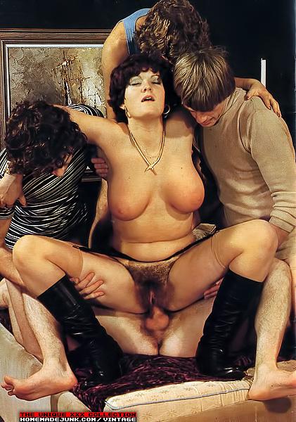 Смотреть онлайн ретро секс фото