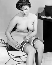 Vintage Pornography - Lusty Beauties In Vintage Photography 321