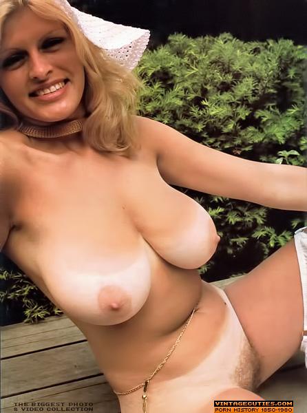 Natural nude women vintage