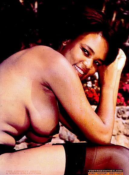 Classic ebony lady pussy porn — photo 10